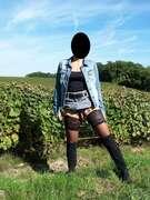 Photos du minou de Ines, petite exhib dans les vignes