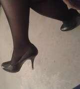Photos du minou de Lola51, Re voilà mes petits pieds